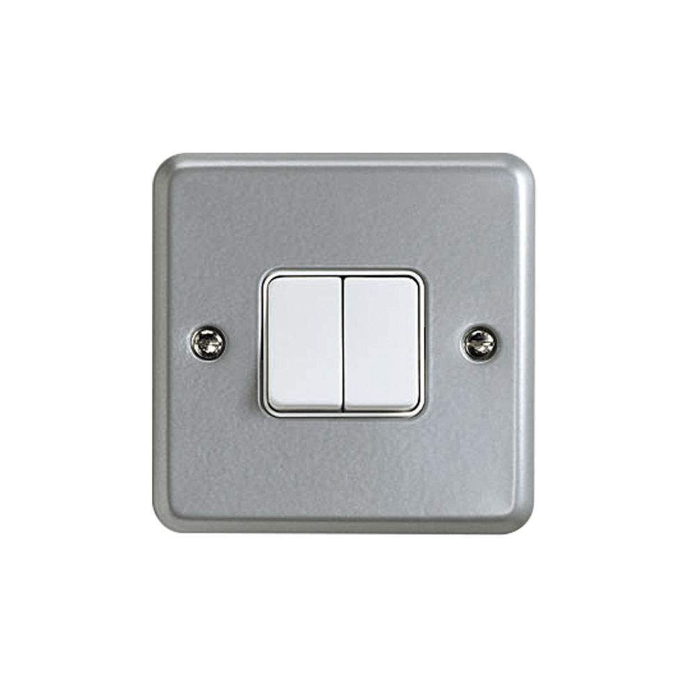 Metalclad Plus 10a 2 Gang 2 Way Switch