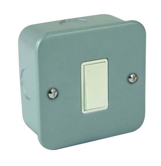 Picture of Metal Clad 1 Gang 2 Way Light Switch